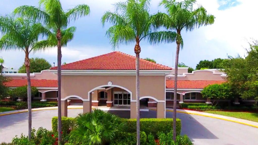 palm-beaches-entrance