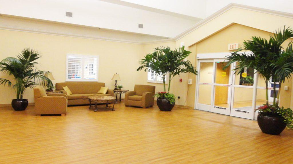 palm-beaches-lobby